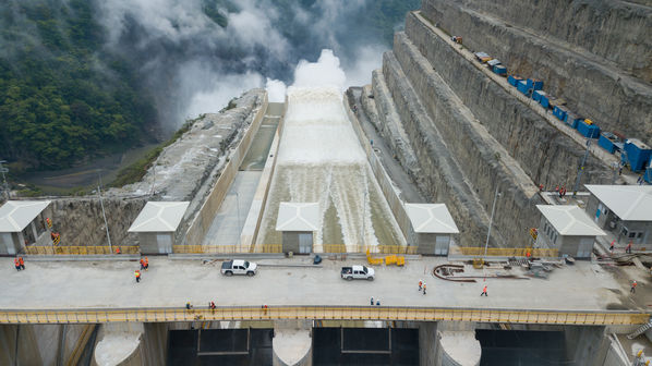 Having reached the final dam height of 435 m.a.s.l., EPM...